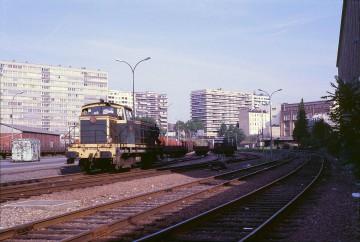 1280px-Paris-Reuilly_sept_1985-b.jpg