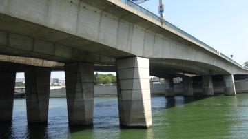 Pont_amont_(Paris).JPG