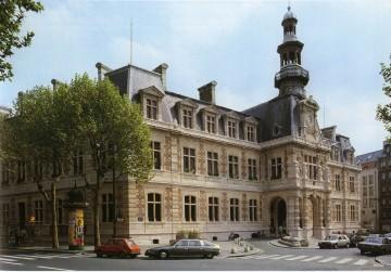 mairie12old.jpg
