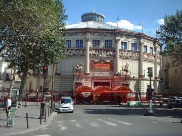 800px-Le_cirque_d'hiver_Paris_01.jpg