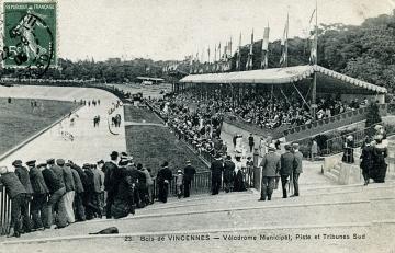 Vélodrome Municipal, Piste et Tribunes Sud.jpg